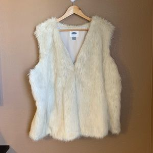 Old Navy Faux Fur Vest Size XXL